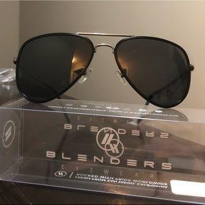 c06f3a89370 Accessories - blenders eyewear - spider jet sunglasses